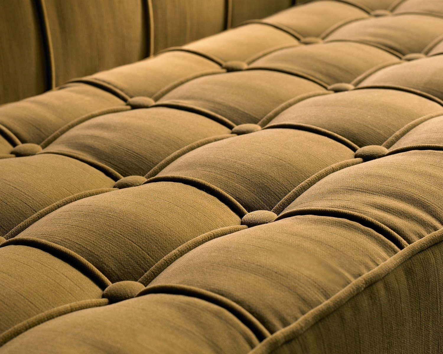 luxe-seat-close-up