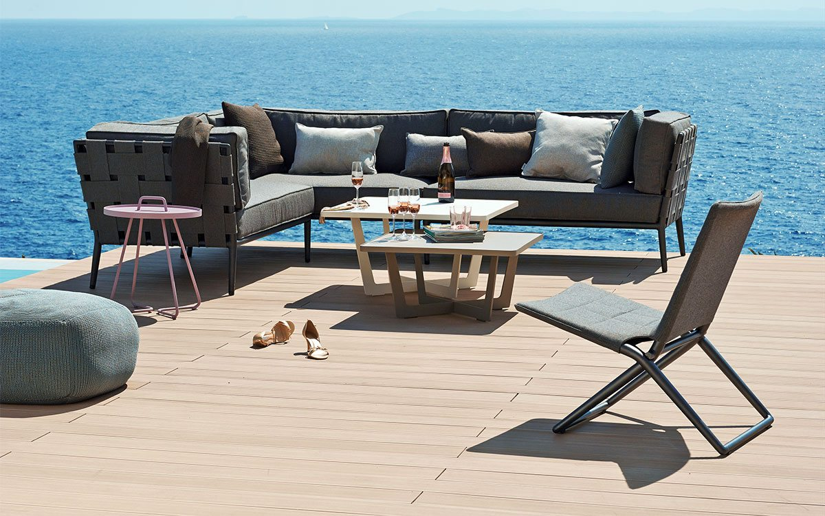 Choose The Right Outdoor Furniture For Your Space   LaDiff