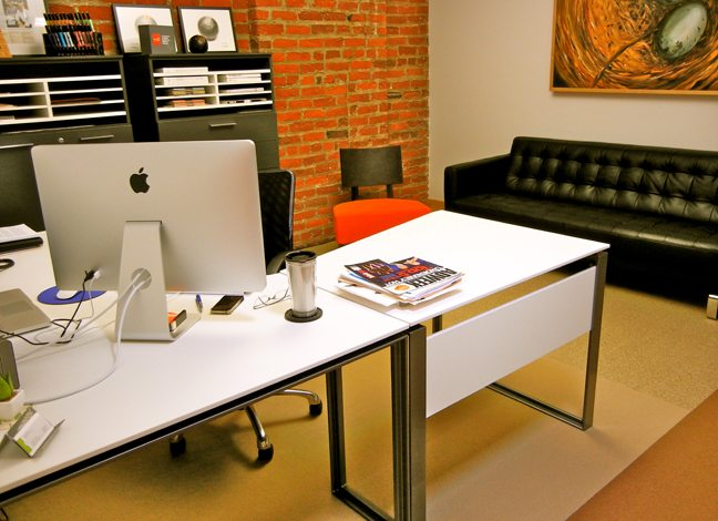 desk-and-seating