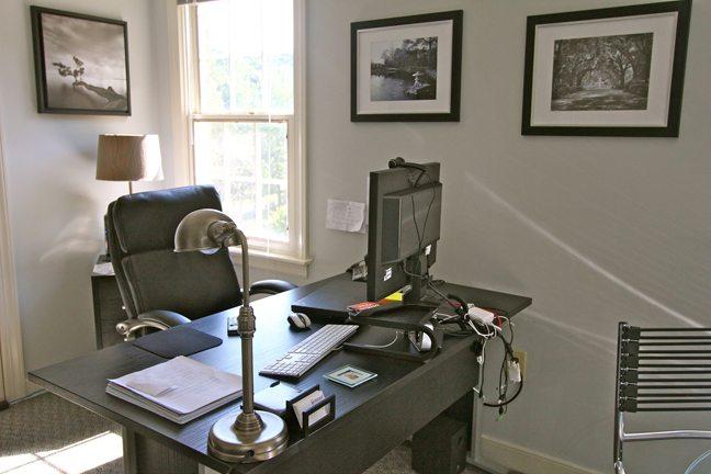 desk-lamp-and-desk