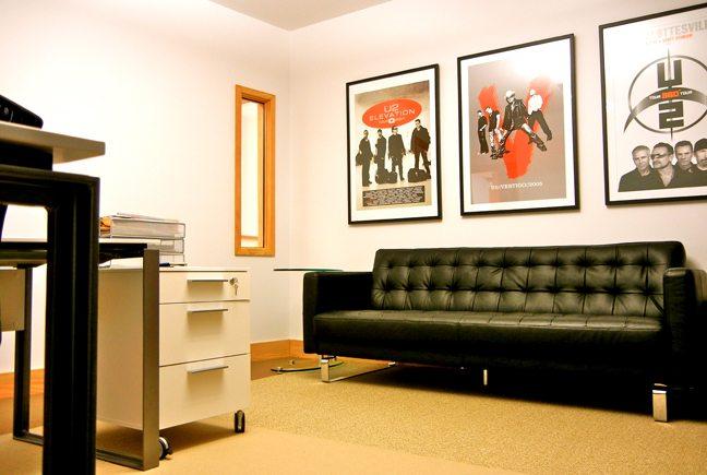 sofa-in-office